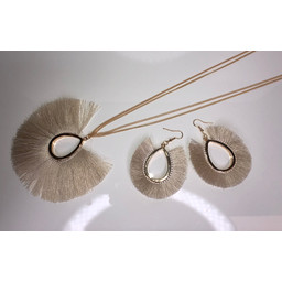 Lucy Cobb Tulula Jewellery Set in Stone