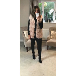 Lucy Cobb Adelaide Faux Fur Gilet in Baby Pink