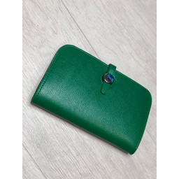 Lucy Cobb Travel Wallet with Purse in Green