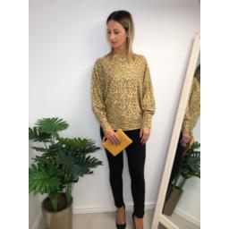 Lucy Cobb Aida Leopard Print jumper - Mustard