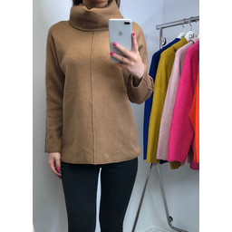 Lucy Cobb Savanna Centre Seam Jumper - Camel