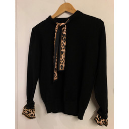 Lucy Cobb Layla Leopard Scarf Jumper - Black