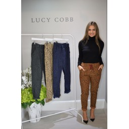 Lucy Cobb Leopard Crinkle 3/4 Joggers in Burnt Orange