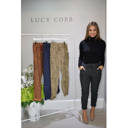 Lucy Cobb Leopard Crinkle 3/4 Joggers in Dark Green