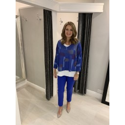 Lucy Cobb Bold Pattern V neck Top in Royal