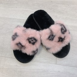Lucy Cobb Shoes Louisa Fluffy Slippers in Baby Pink