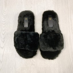 Lucy Cobb Shoes Codie Fluffy Slippers  - Black