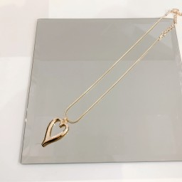Lucy Cobb Jewellery Hayley Heart Short Necklace - Rose Gold