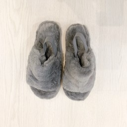 Lucy Cobb Shoes Huggy Faux Fur Slippers in Silver
