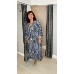 Lucy Cobb Maya Bell Sleeve Midi Dress Curve in Charcoal